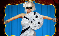 Play Lady Gaga Puzzle game on Perro-Electric.Com